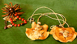 Eco-gioielli-con-semi-e-corteccia
